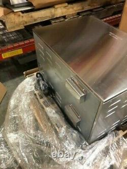 1444 Waring WPO350 Countertop Pizza Oven Double Deck, 240v/1ph