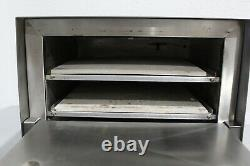APW Wyott Counter Top Dual Deck Pizza Oven CDO-17 Nice Condition Fully Tested