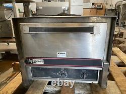 APW Wyott Pizza Oven CDO-17