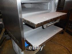 BAKER'S PRIDE COUNTER TOP DOUBLE DOOR PIZZA OVEN, DP2, 220v, 3 phase, NEW STONES