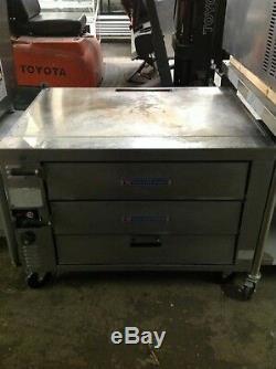 Bakers Pride Counter Top Double Door Pizza Oven GP-61 NAT Gas