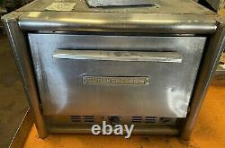 Bakers Pride M02T Counter-Top Pizza Oven