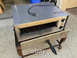 Fusion 16 Commercial Pizza Oven with Adjustable Temperature Control