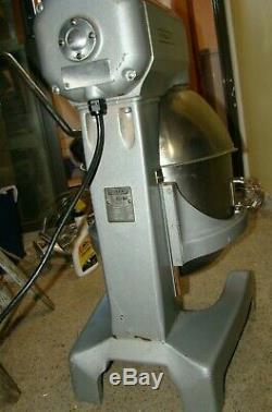 Hobart 20 Qt Dough Pizza Bakery A200-T Mixer With Attachments Bowl & Guard 115V