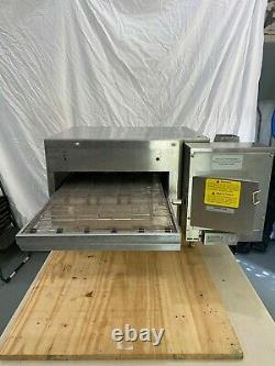 Lincoln 2501 Counter Top Pizza Oven, New control, 208 and 240 elements included