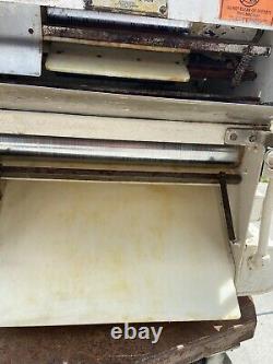 PIZZA DOUGH ROLLER / SHEETER / ACME R11 countertop